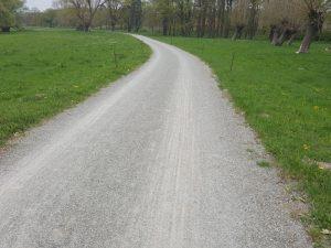 Offenporiger landwirtschaftlicher Weg